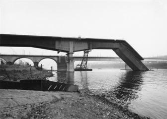 Effondrement du pont de Koblenz lors de sa construction en 1971