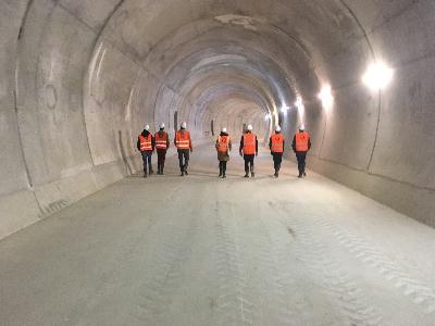Au coeur du tunnel, dans la future voie du métro